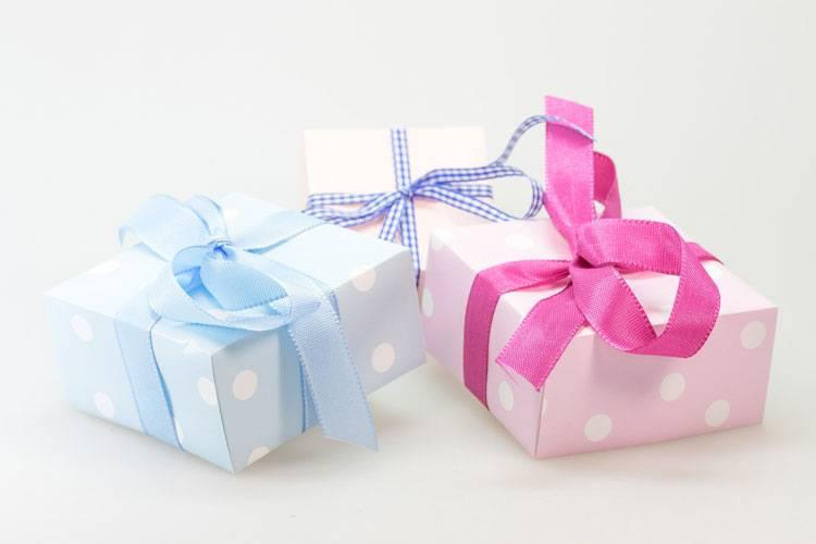 pomysły na prezenty kosmetyczne dla Niej - kasetki na cienie